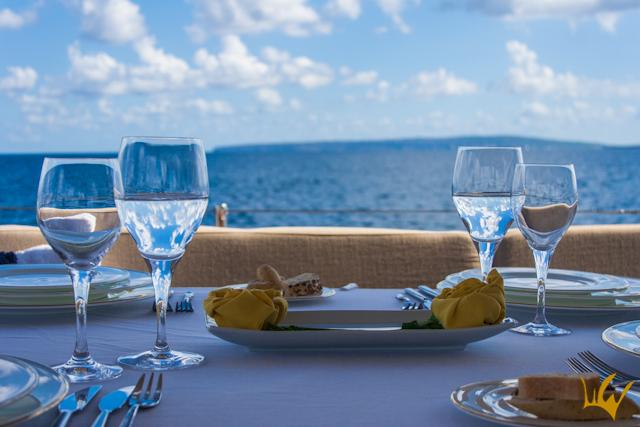 Barco-Goleta S.Y.Aiglon Ibiza Comida