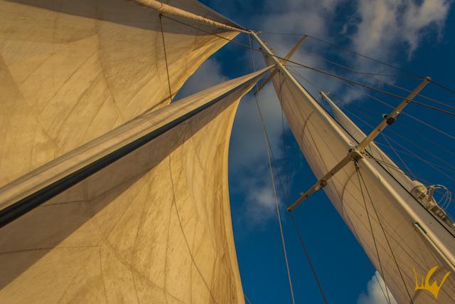 Barco Goleta S.Y.Aiglon Ibiza Velas Desplegadas