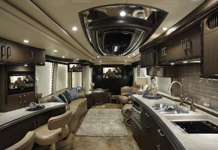 2015 Prevost H3-45 VIP Interior