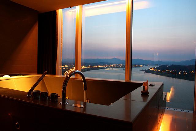 Seoul Walkerhill Suite Jacuzzi Sunrise TravelingOtter
