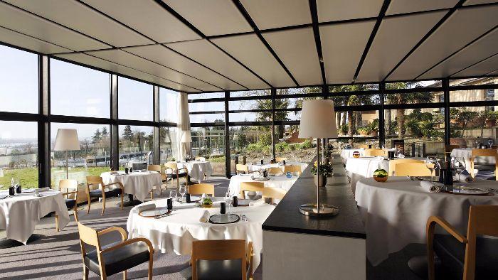 El restaurante, con una estrella Michelin, del Saint-James, también está diseñado por Jean Nouvel